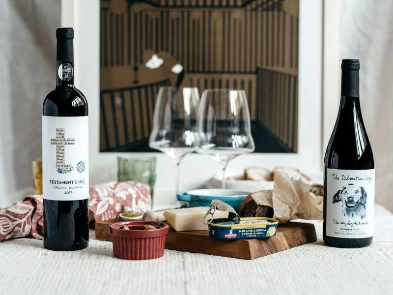 aperitivo-za-dvoje-crveno-vino-dalmacija-babaić-snack