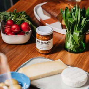 namaz-za-kruh-rajčica-artičoka-dva-srca-kuhača